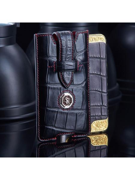 Чехол карман из чёрной кожи крокодила с логотипом из позолоты, Mobcase 943