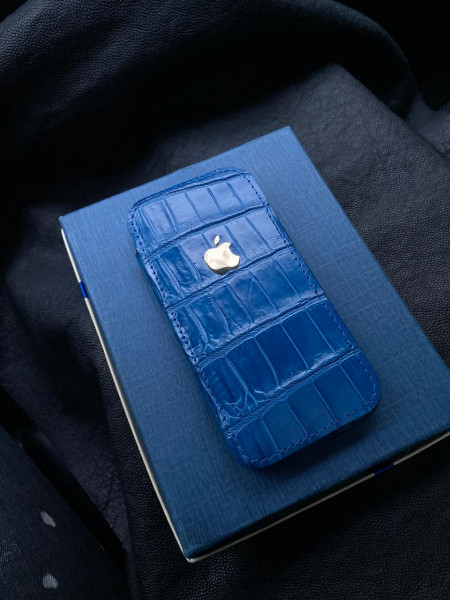 Чехол карман из синего крокодила с логотипом Apple Mobcase 1277
