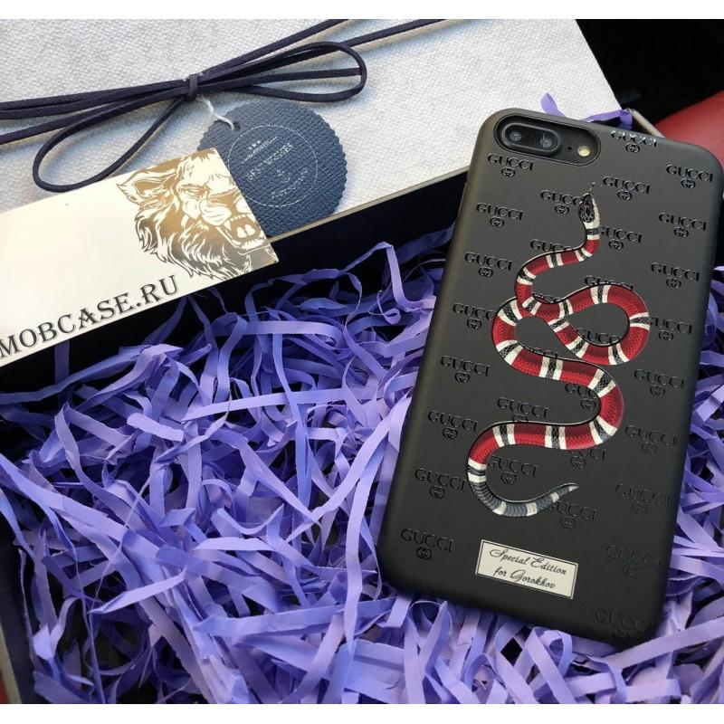 Эксклюзивный, именной чехол с принтом змеи Gucci Mobcase 634
