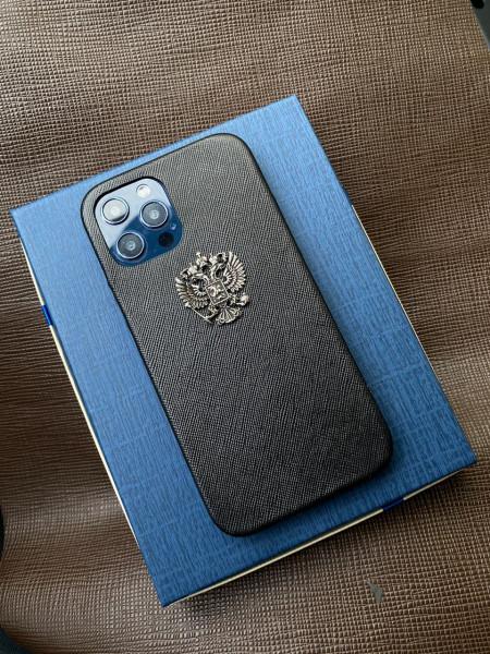Эксклюзивный кожаный чёрный чехол с гербом России Mobcase 1360