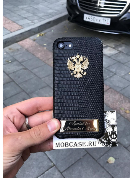 Именной чехол с гербом России из чёрной кожи Игуана, Mobcase 723 для iPhone 7, 8, 7 Plus, 8 Plus, X, XS, XSMAX, XR