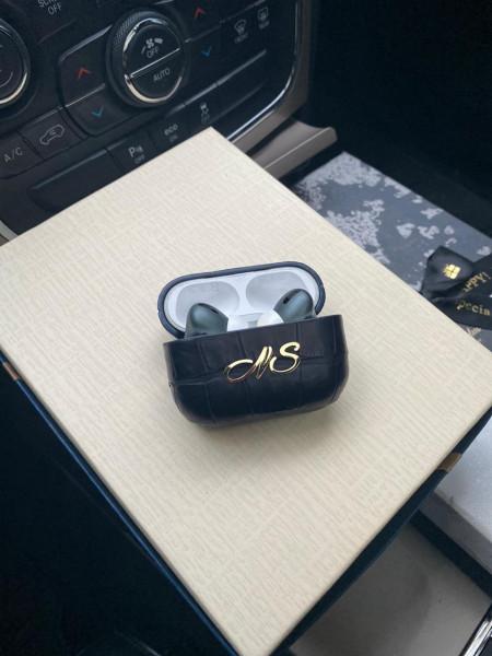 Кожаный чёрный чехол с инициалами Mobcase 1302 для Apple AirPods Pro