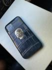 Кожаный, чёрный чехол с серебряным черепом: Mobcase 1115