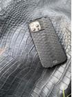 Чёрный кожаный чехол ручной работы из питона с инициалами Mobcase 1477