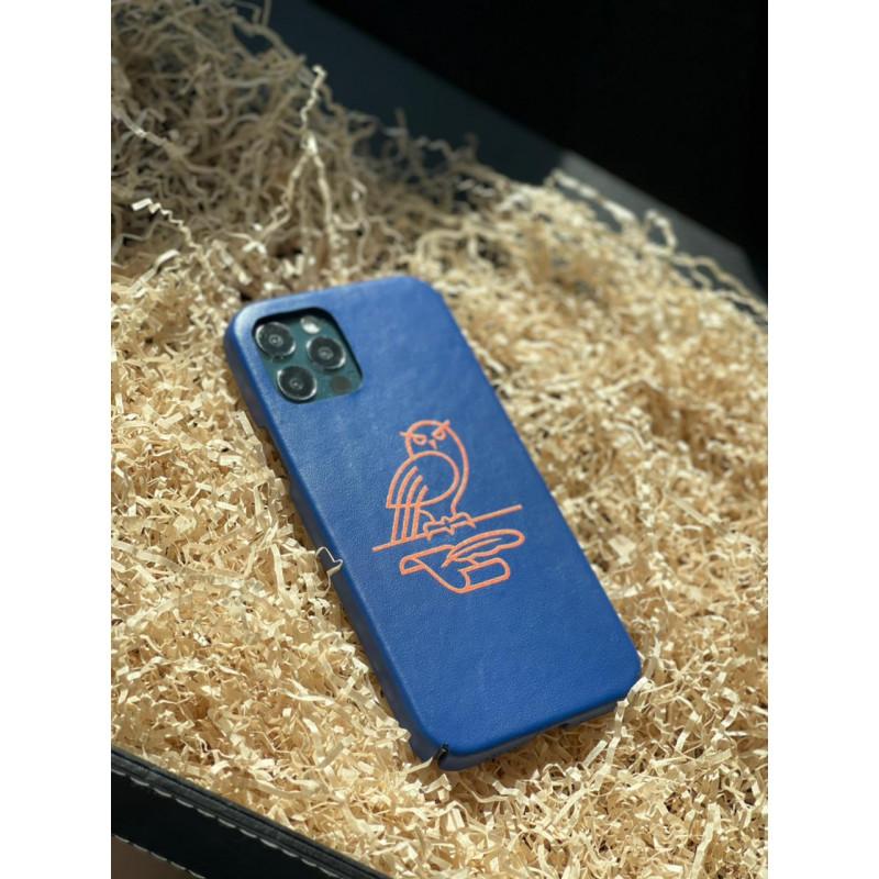 Синий кожаный чехол с золотым логотипом СОВЫ Mobcase 1509 для iPhone 12 Pro Max