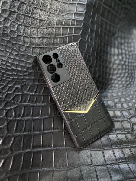 Противоударный чёрный чехол с карбоновой вставкой Mobcase 1539 для Samsung Galaxy S21 Ultra