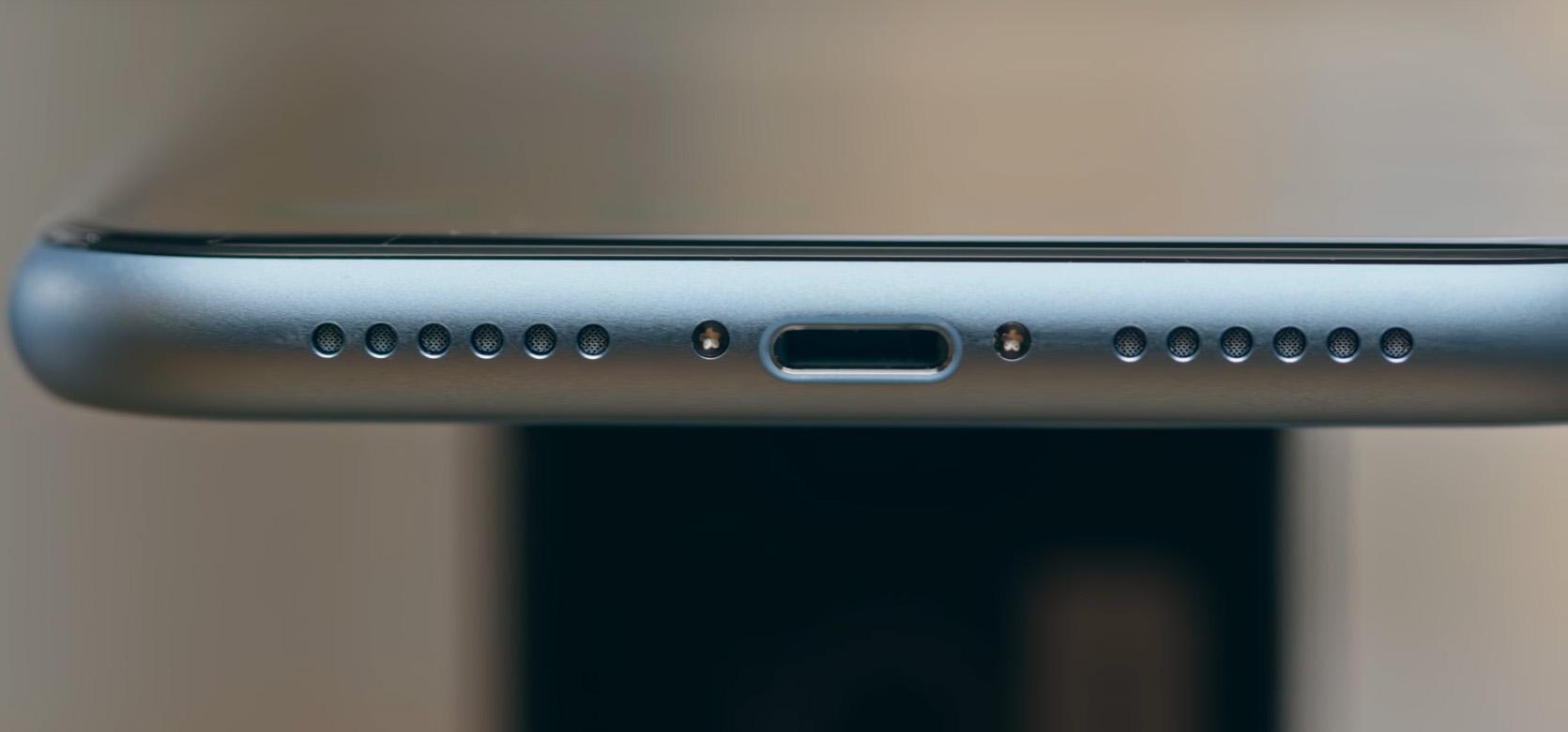 Обзор iPhone XR — Гнездо зарядки